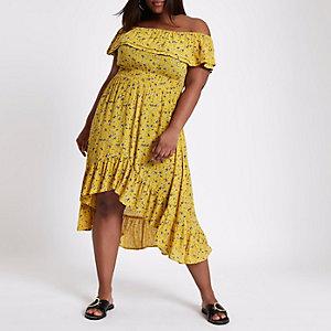 Plus – Robe longue style Bardot jaune à imprimé floral et volants