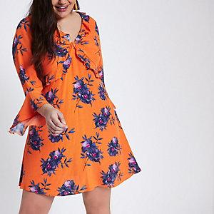 Plus – Robe à fleurs orange à volant et torsade