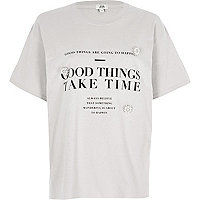 Grey 'good things' print brooch T-shirt