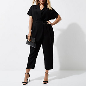 RI Plus - Zwarte smoking jumpsuit