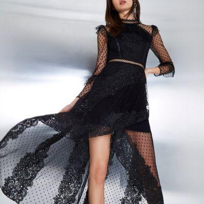 River Island Zwarte maxi-jurk met lange mouwen, kant en mesh