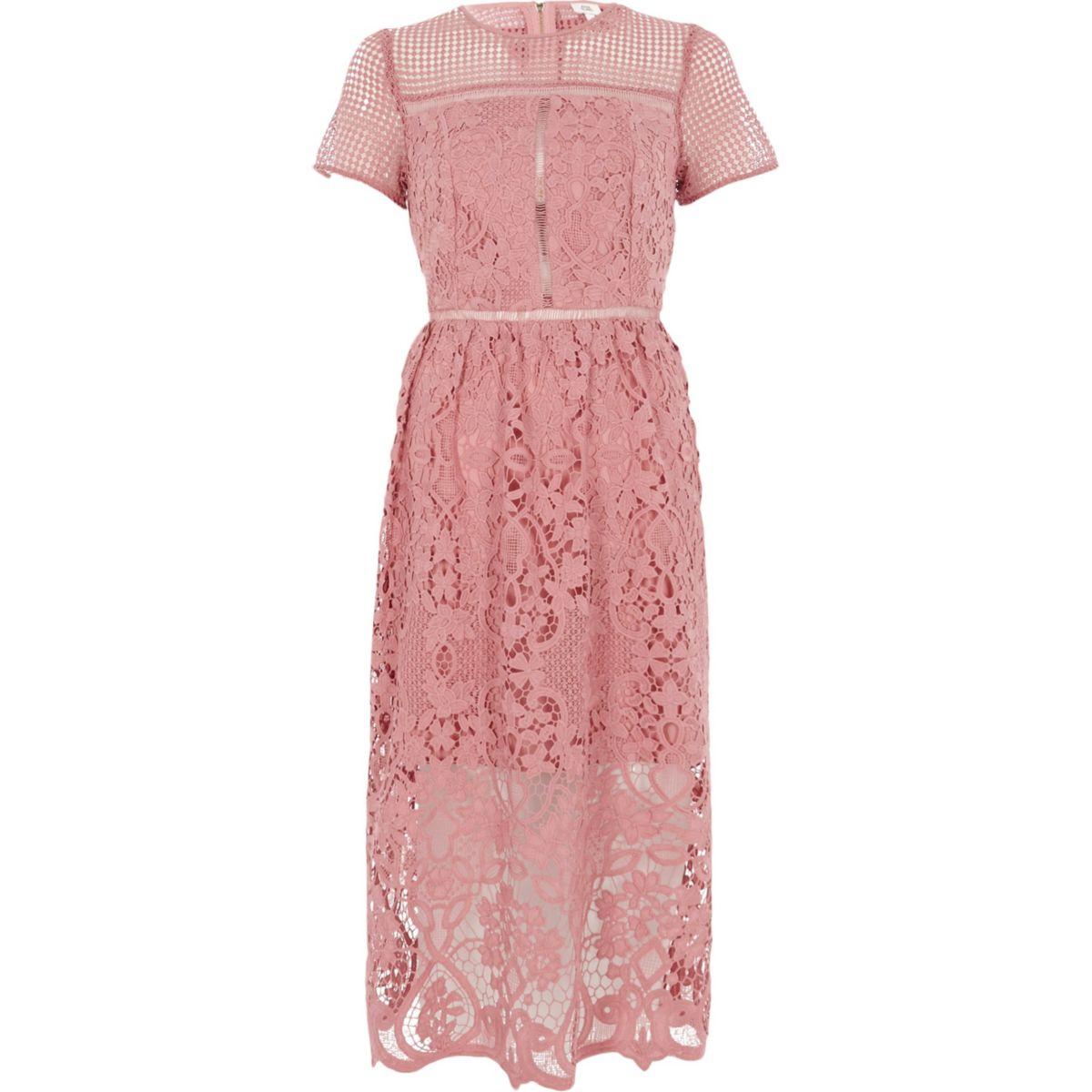 Roze kanten getailleerde midi-jurk met bloemenprint