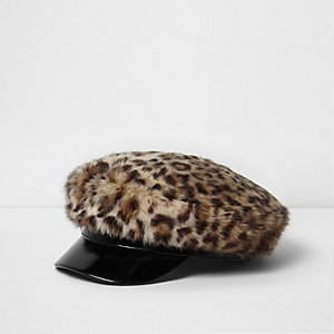 Brown leopard print faux fur baker boy hat