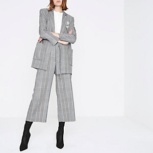 Black check brooch oversized blazer