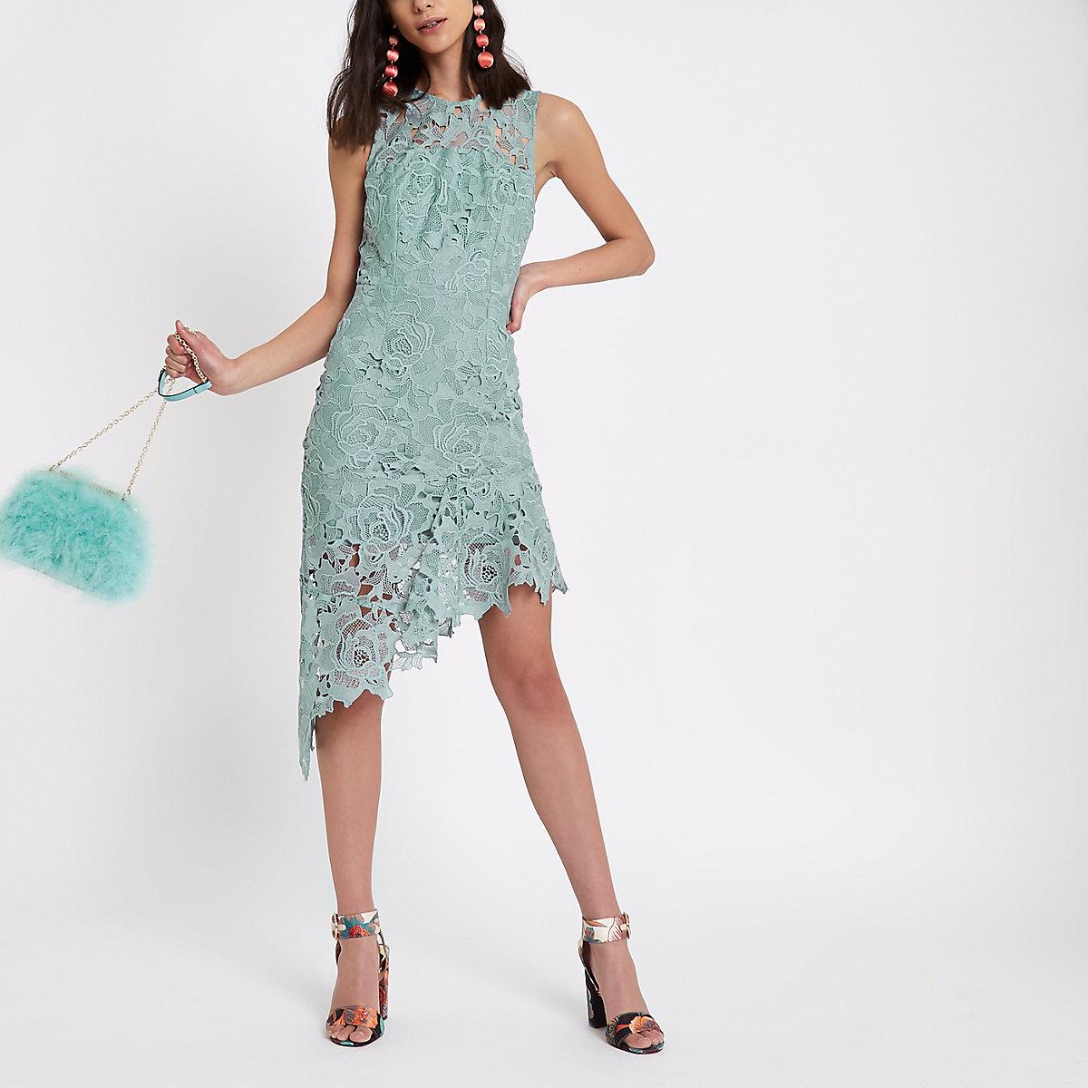 Lichtblauwe kanten midi-jurk met asymmetrische zoom