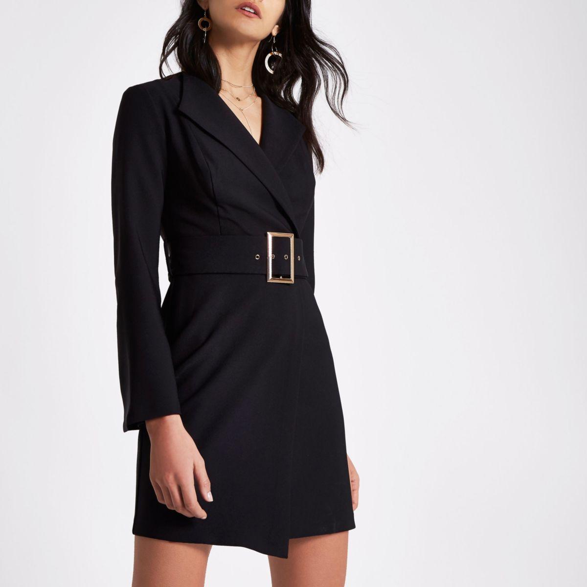Zwarte nette mini-jurk met klokmouwen en ceintuur