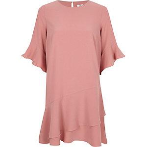 Swing-Kleid in Hellrosa mit Schößchen