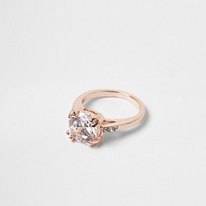 Rose gold tone rhinestone crystal ring