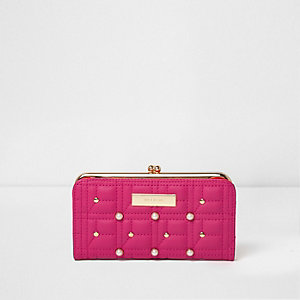 Pink quilted faux pearl clip top slim purse