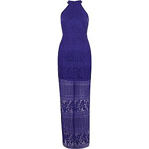 Robe longue moulante en dentelle bleue à encolure haute