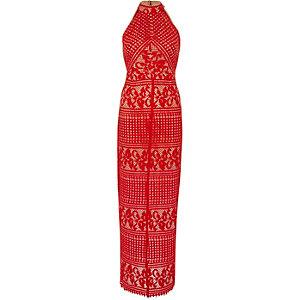 Robe longue sans manches en dentelle rouge