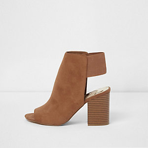 Brown faux suede block heel shoe boots