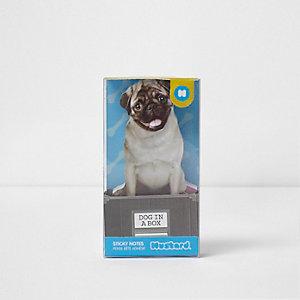 Notes adhésives chien dans une boîte