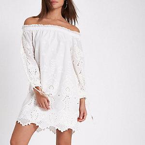Bardot-Kleid in Creme mit Lochstickerei