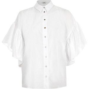 Wit kort oversized overhemd met klokmouwen