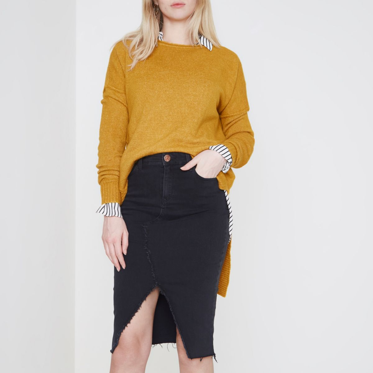 Black frayed seam denim pencil skirt