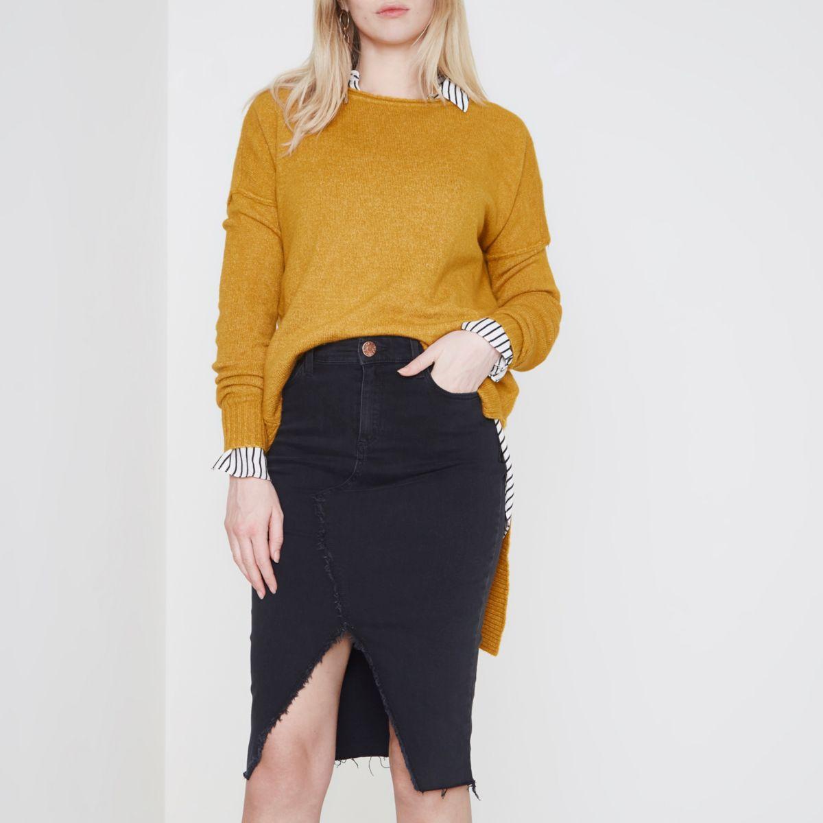 Jupe crayon en jean noir avec coutures effilochées