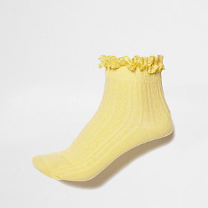 Yellow cable knit frill ankle socks