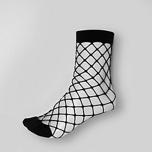 Black wide fishnet socks
