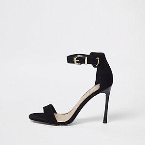 Zwarte minimalistische sandalen met uitlopende hak