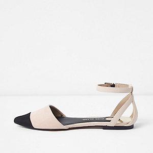 Spitze, zweiteilige Schuhe in Hellbeige