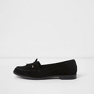 Schwarze Loafer aus Wildleder mit Fransen