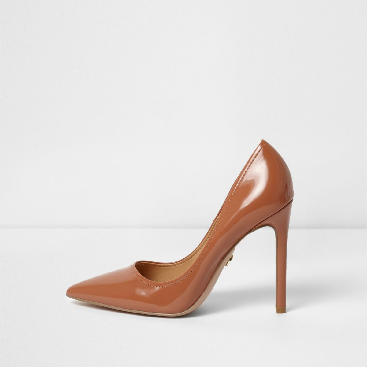 Tan patent pointed toe pumps