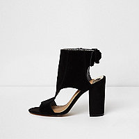 Black bow back block heel shoe boots