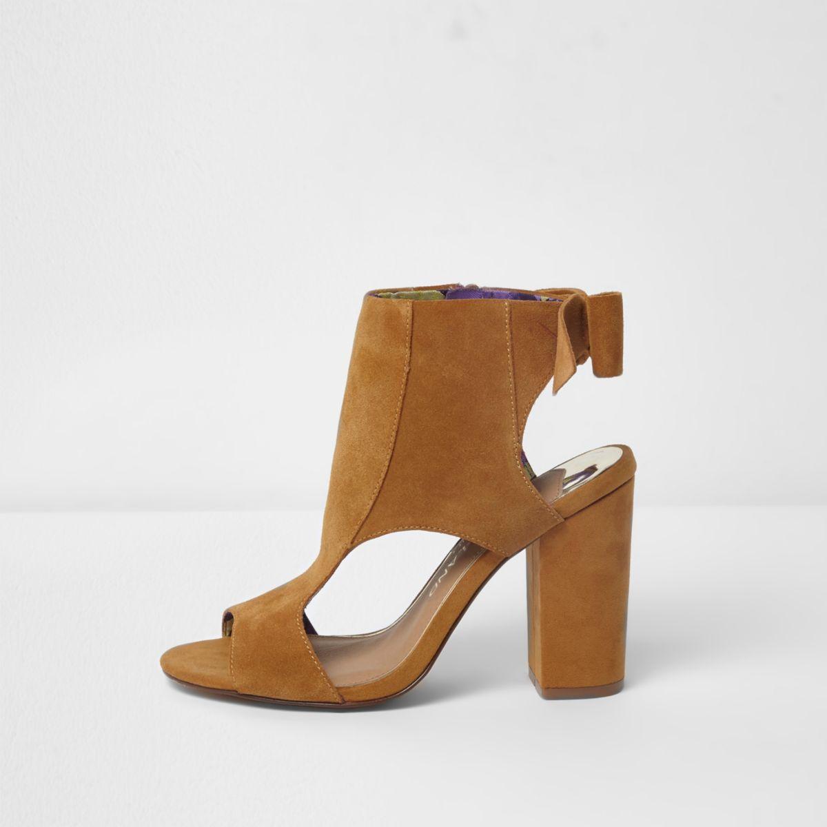 Light brown block heel bow back shoe boots