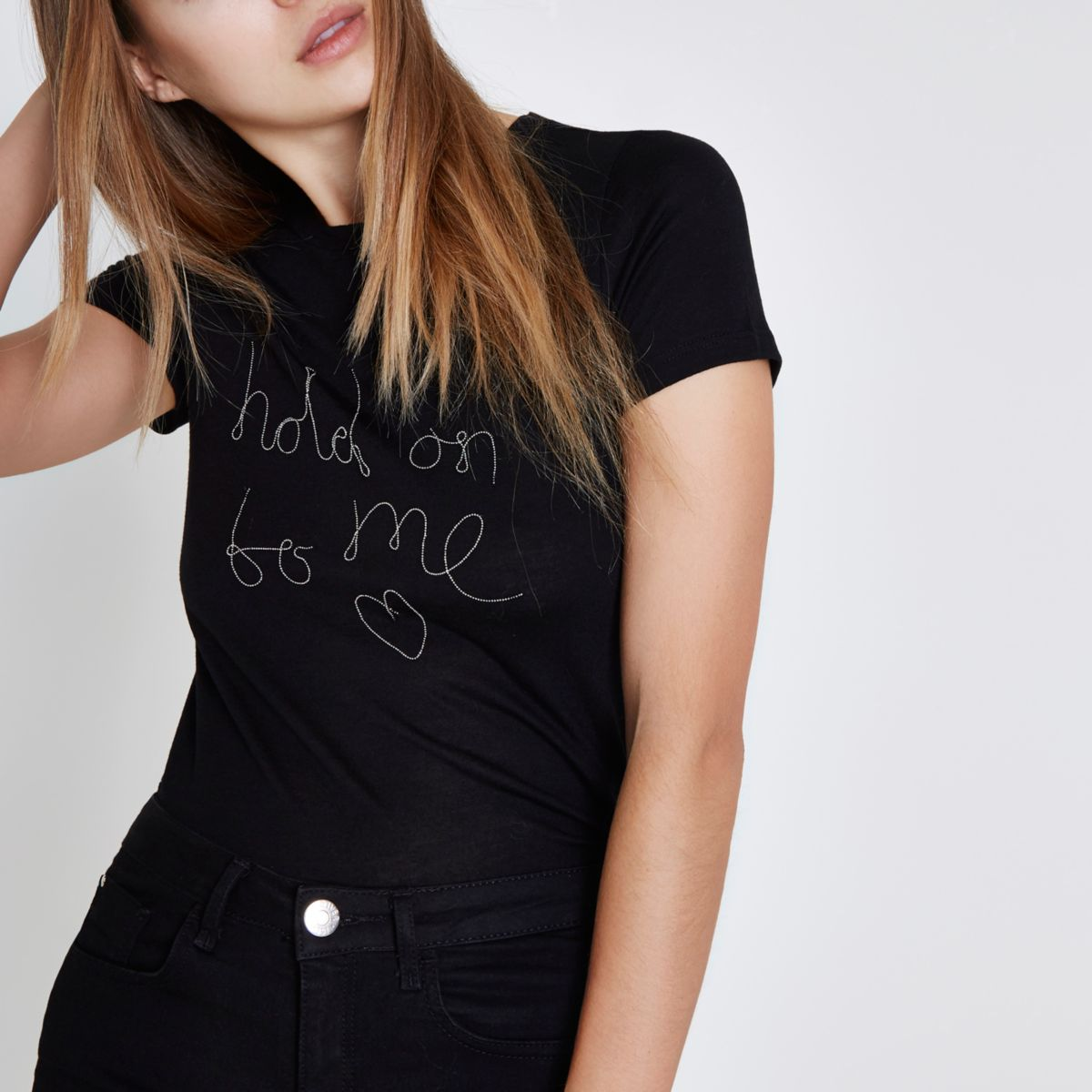 Black 'hold on to me' chain T-shirt