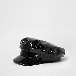 Casquette gavroche en vinyle noir