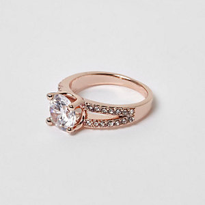 Rose gold tone split band rhinestone ring