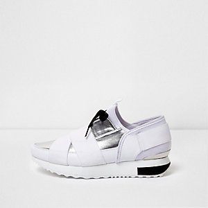 White metallic elasticated runner trainers