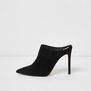 Black pointed heeled mule pumps