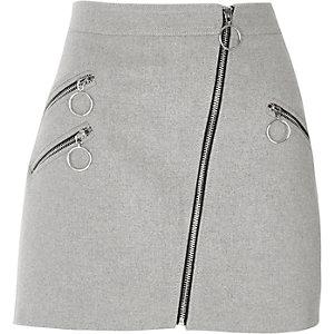 Grauer A-Linien-Minirock mit Reißverschlusstasche