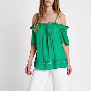 Haut Bardot vert avec ourlet au crochet