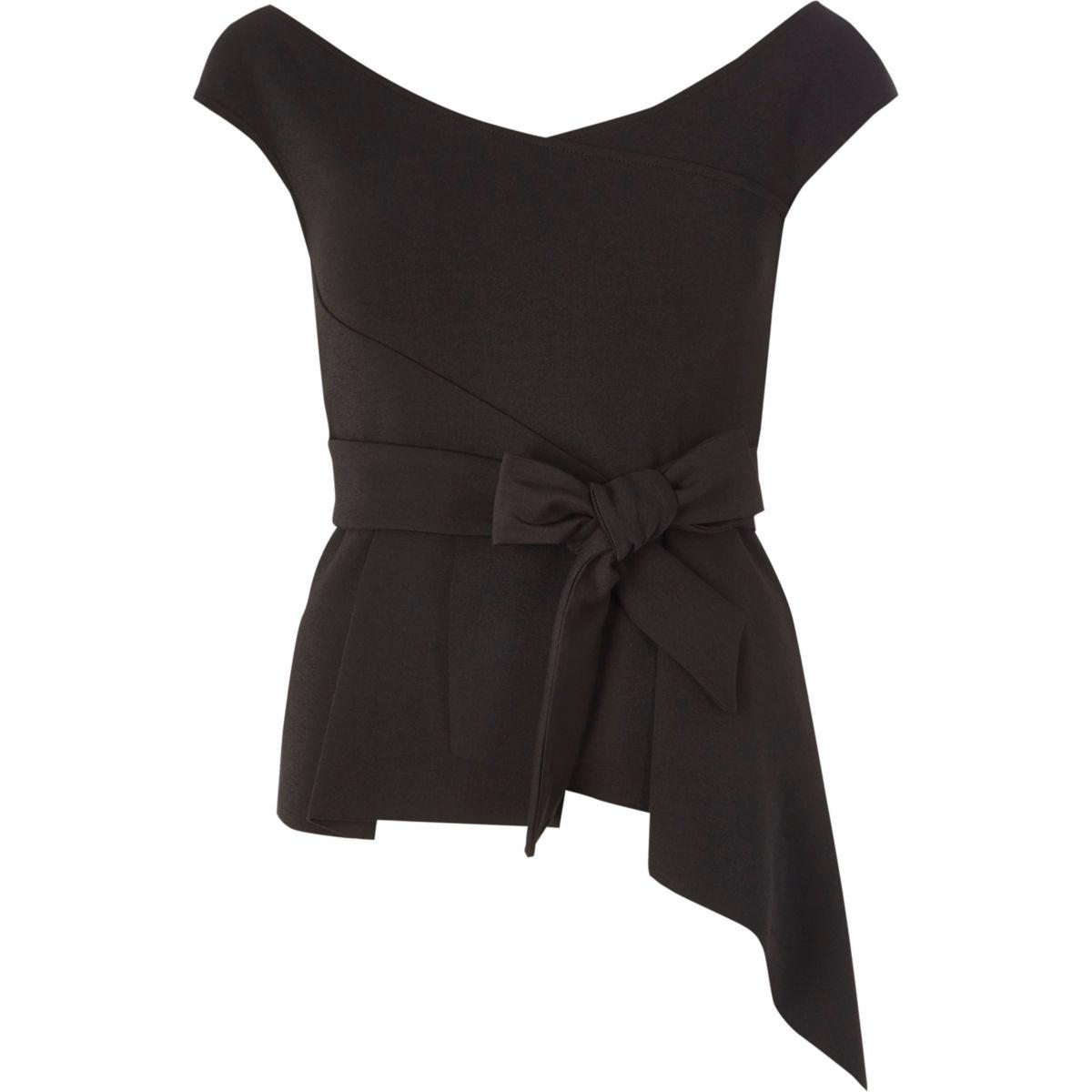 Schwarzes Bardot-Oberteil mit Schößchen