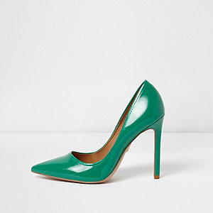 Green wide fit patent pumps