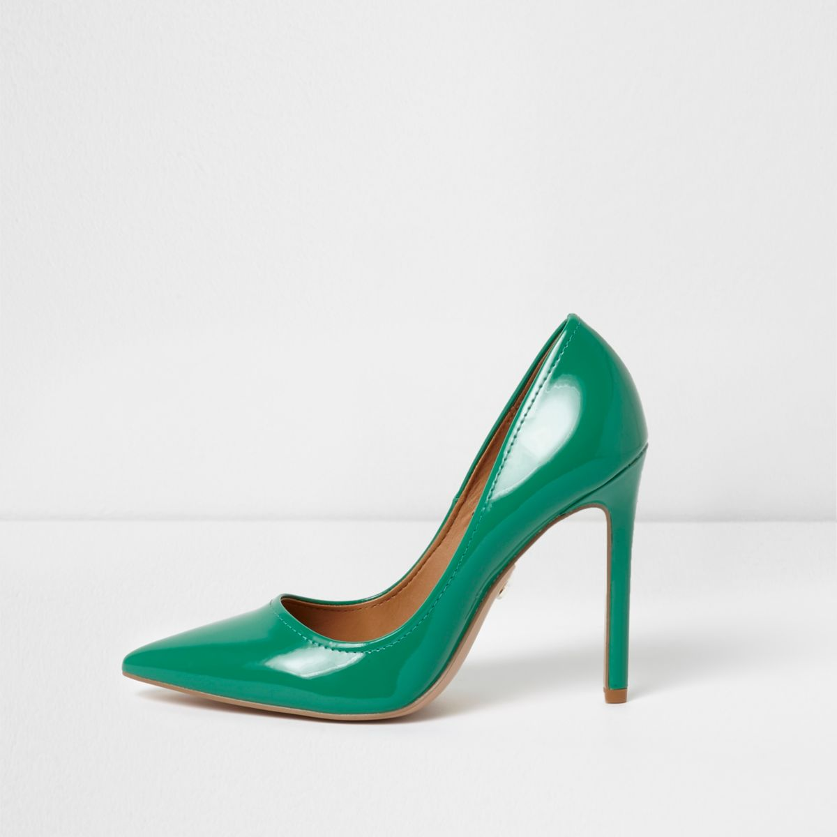 Green wide fit patent court shoes