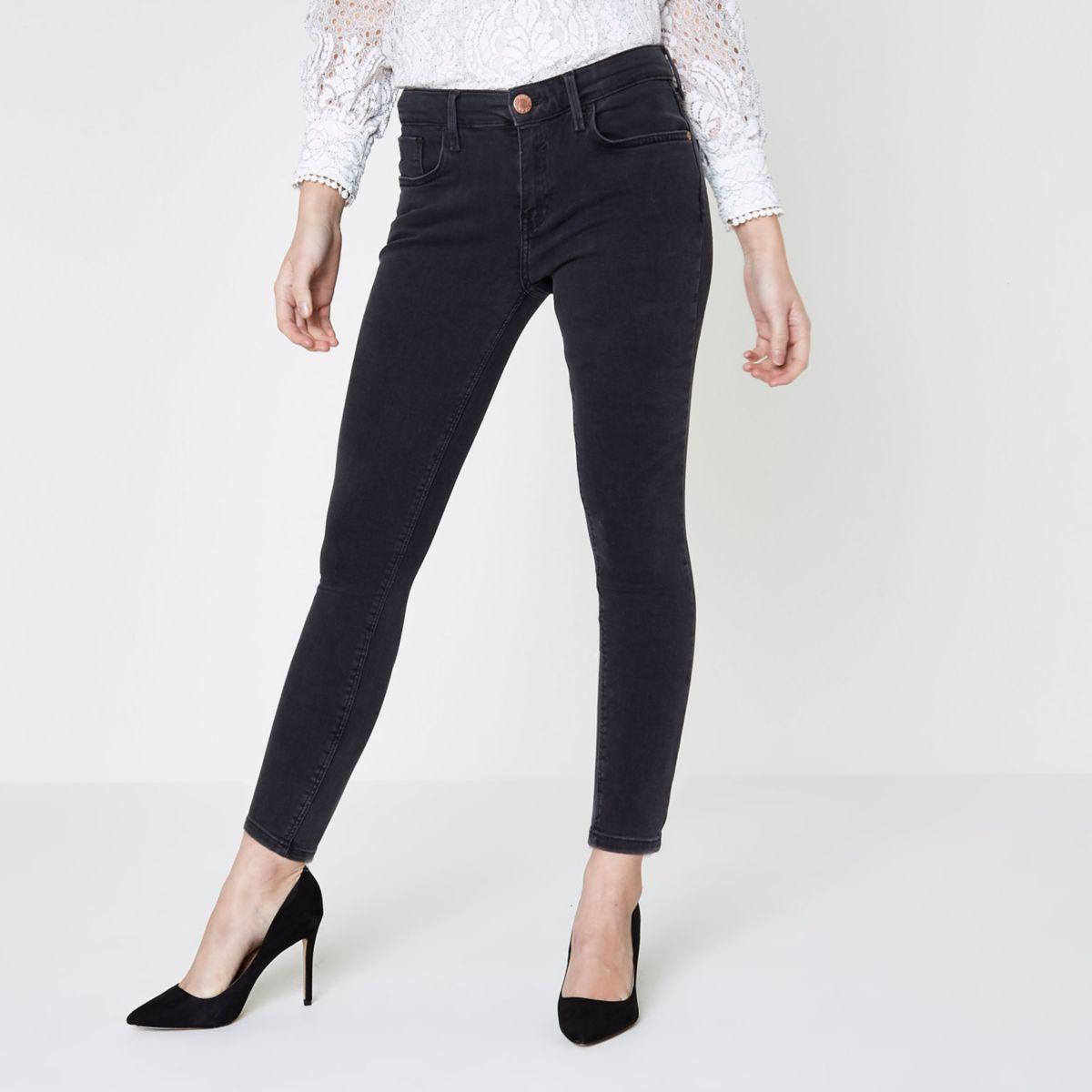Petite black washed Amelie super skinny jeans