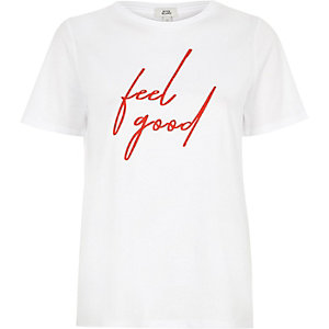 Wit aansluitend T-shirt met 'feel good'-print