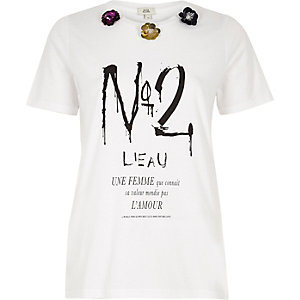 White 'no 2' print 3D sequin flower T-shirt