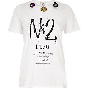 White 'no 2' print 3D sequin flower T-shirt