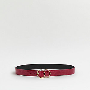 Dark pink croc embossed double ring belt