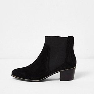 Zwarte puntige laarzen met goudkleurig accent