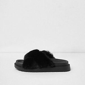 Black faux fur cross strap sliders