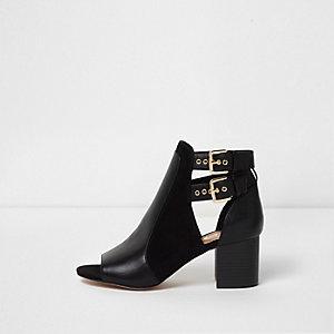 Zwarte peeptoe schoenlaarsjes met gesp en brede pasvorm