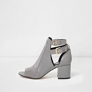 Grijze peeptoe schoenlaarsjes met gesp en brede pasvorm