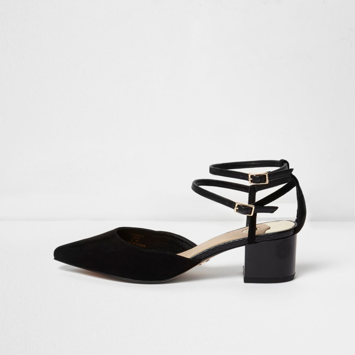 Black pointed toe block heel shoes