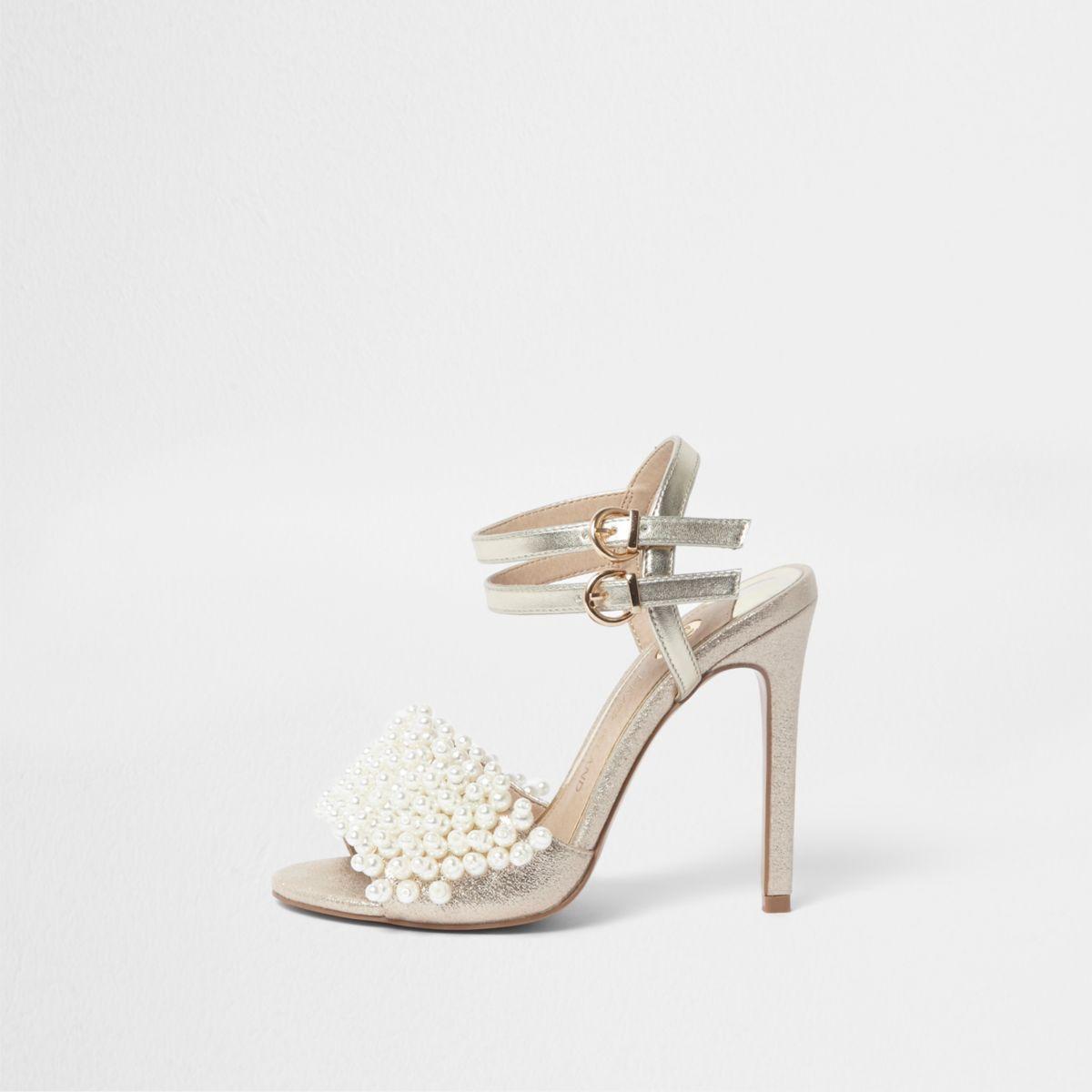 Sandales En Or Avec Des Perles Faux Sur Le Pied Avant Et Talon Haut G0urVgC